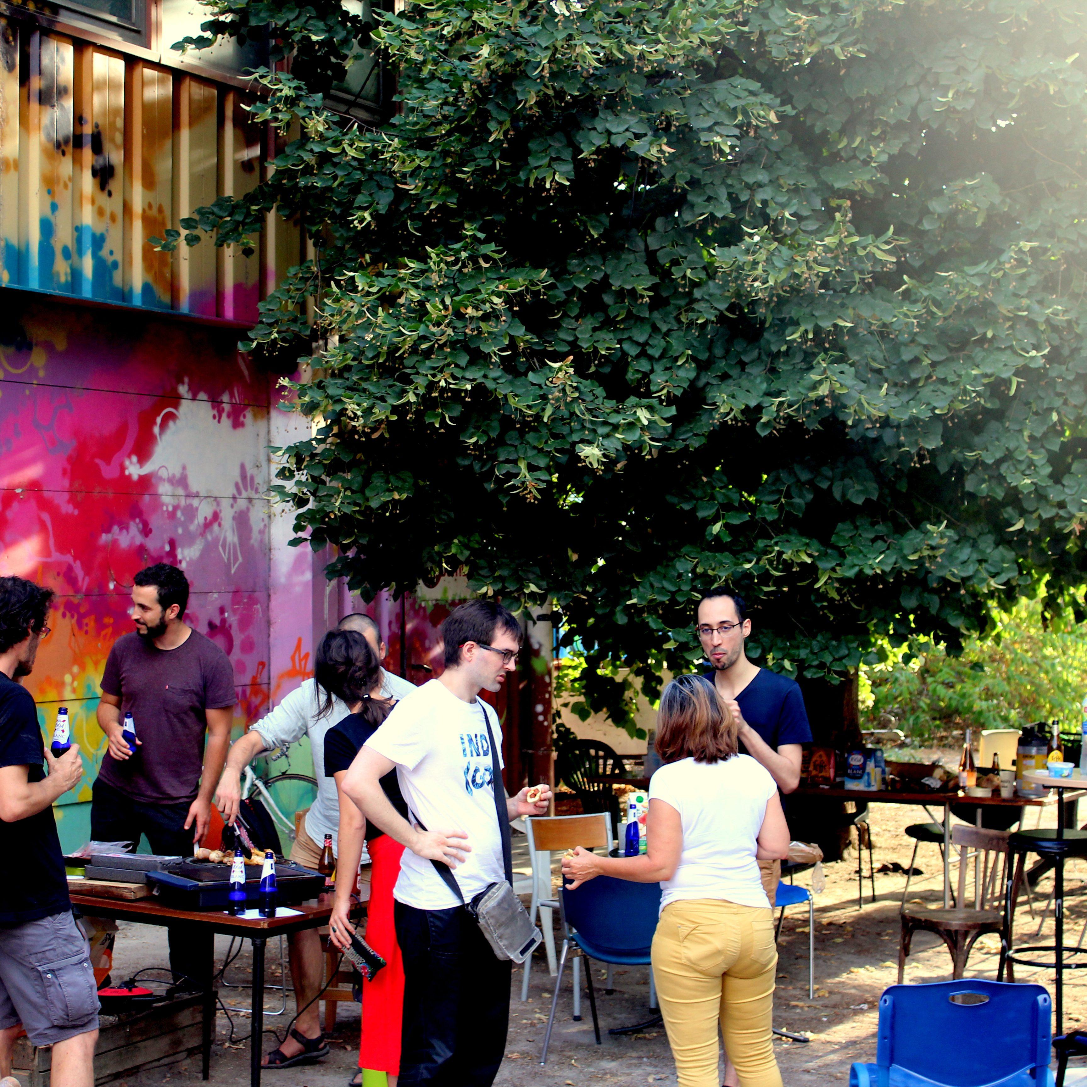 Barbecue été 2020 avant les travaux de la Capsule pour l'association Cap Berriat à Grenoble